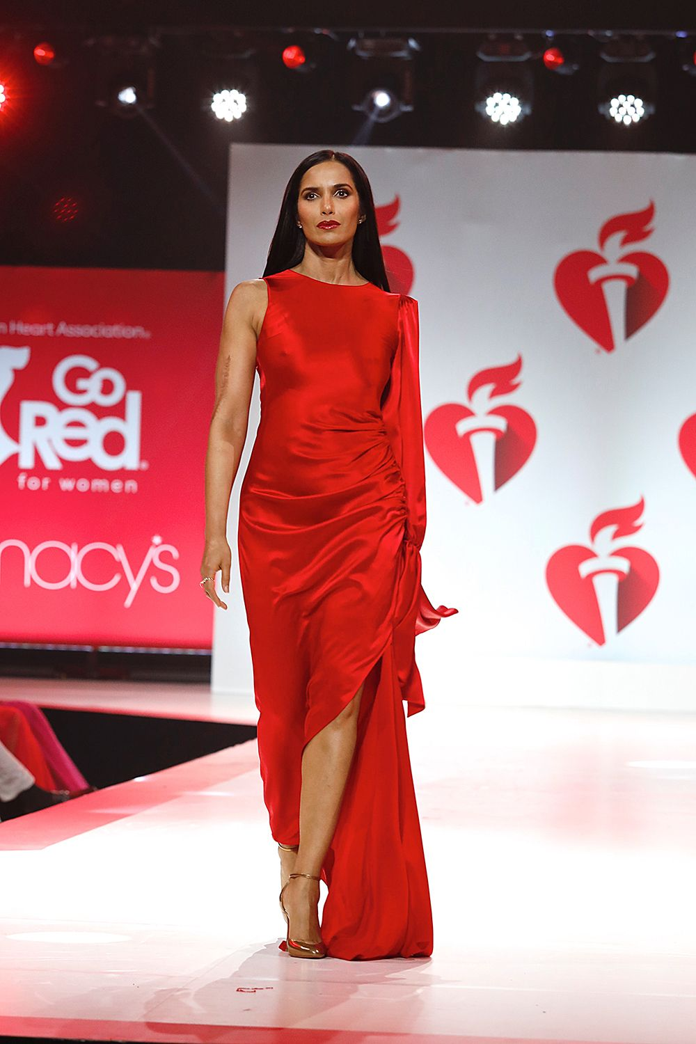 'Go Red for Women' Red Dress Collection Show — PICS Red