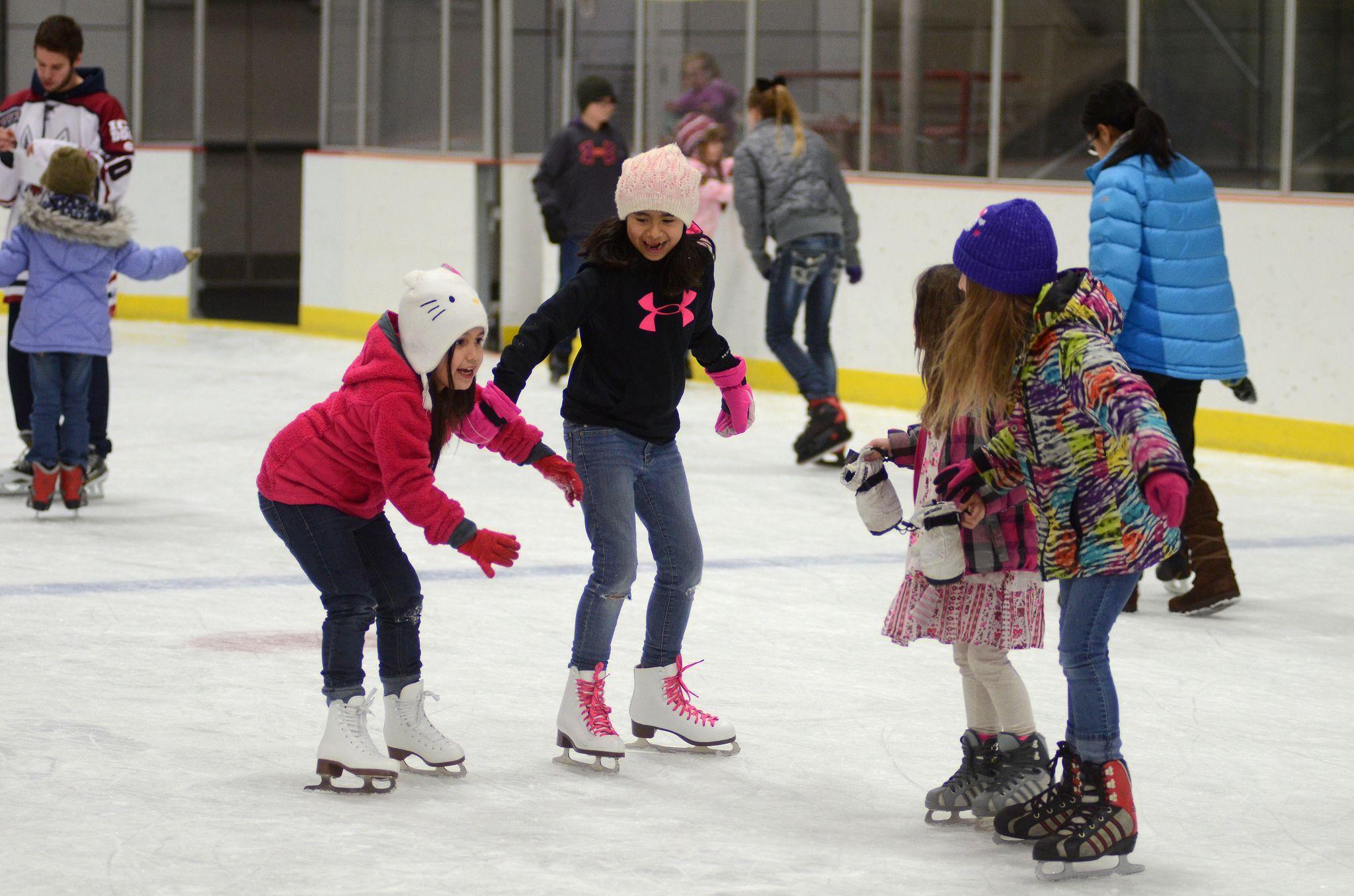 schenley ice skating rink - HD2048×1356