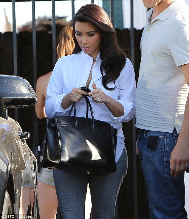 Kim Kardashian joined by Khloe as she jets to France ahead of - big w resume example