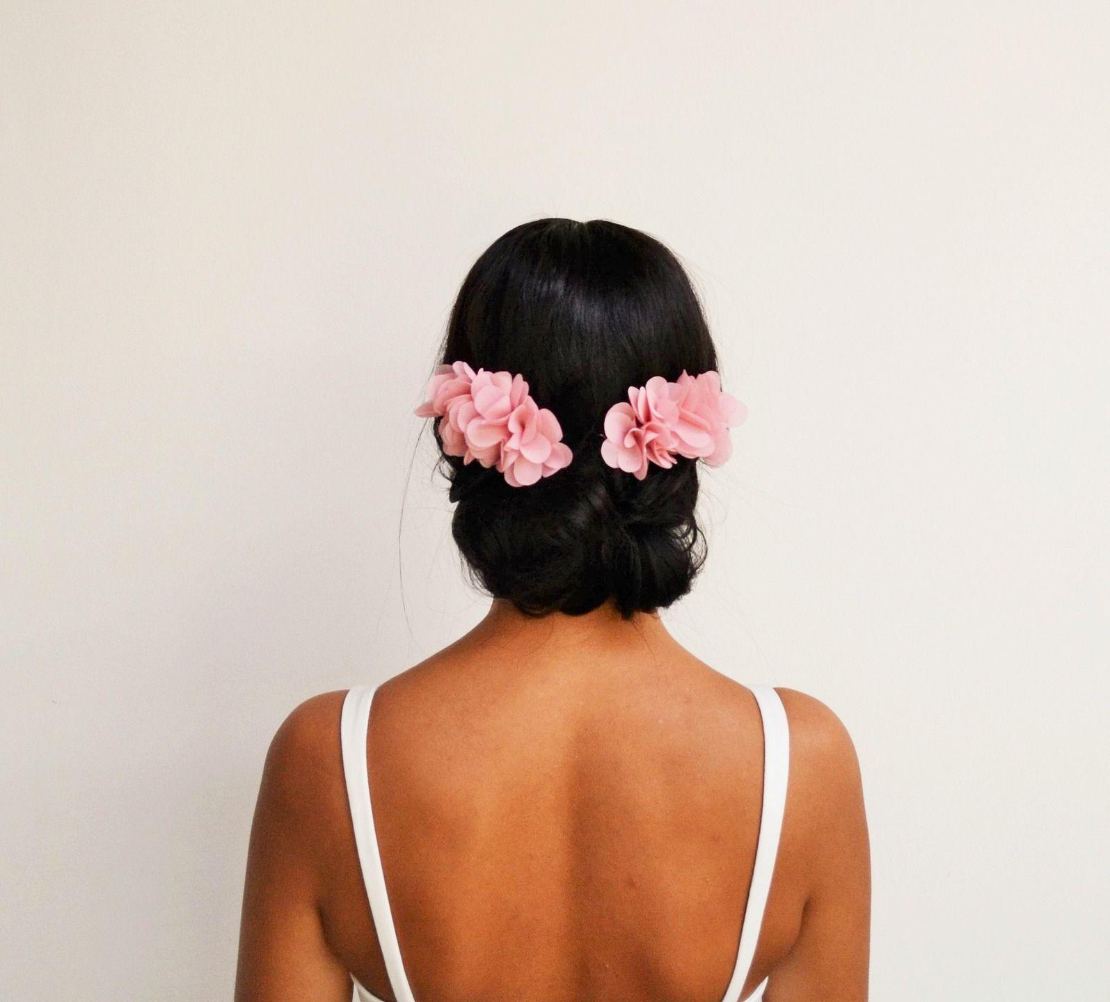 Peignes à cheveux mariage bohème fleurs rose poudré, accessoire cheveux demoiselle dhonneur, peigne mariage champêtre, peigne chignon