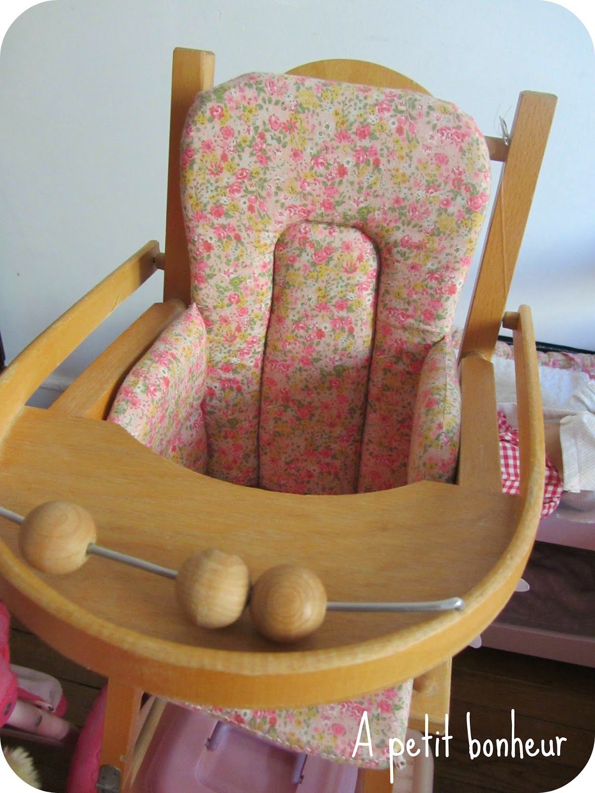 Au Petit Bonheur Tuto De Coussin De Chaise Haute Pour Les Poupees