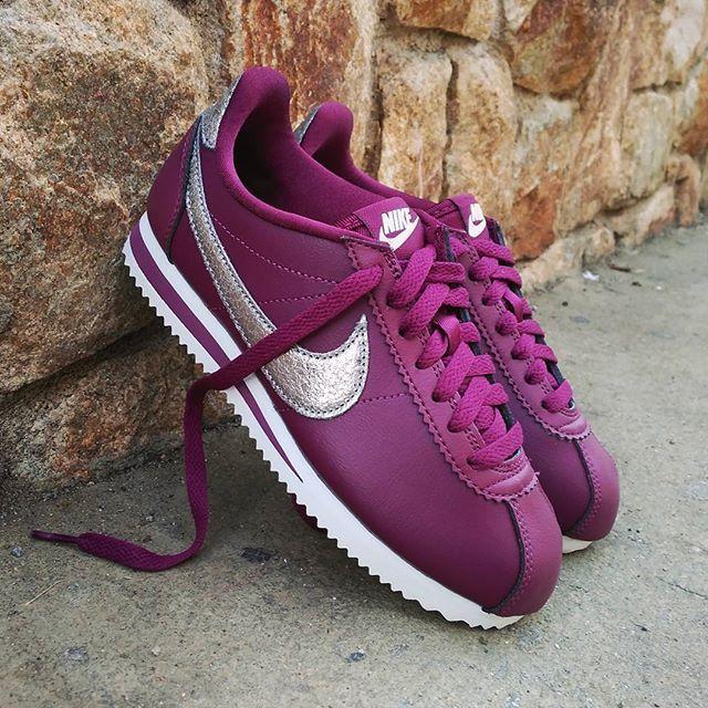 Nike Cortez Classic Wmns Prm Bordeaux Size Wmns Precio 8990 Spain Envíos Gratis A Partir De 99 Http Ift Cortez Shoes Nike Shoes Women Nike Cortez Shoes