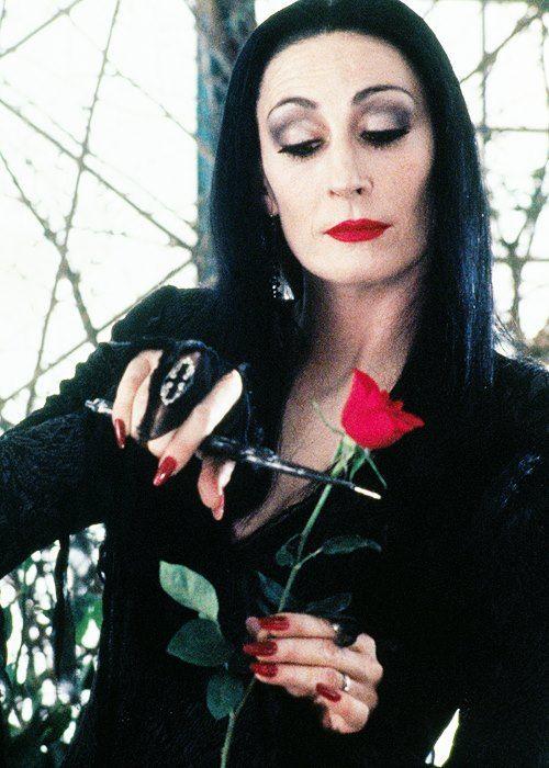 Anjelica Huston - Family Adams (1991)