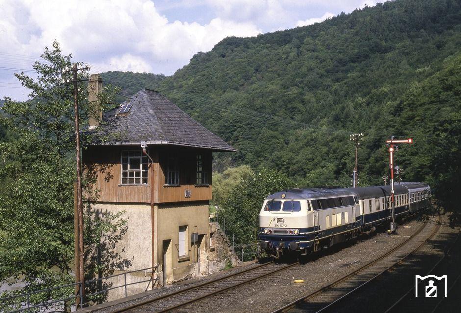 216 107 fährt mit N 6934 nach Koblenz am mechanischen