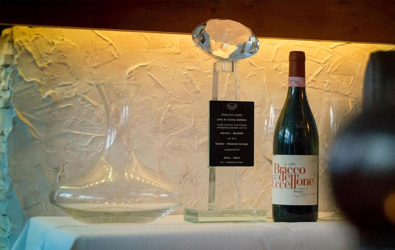 Wir lieben italienischen Wein ueber alles. Du bestimmt auch ?!    Cupido - italienisches Feinschmecker Restaurant in Muenchen   www.r-cupido.de #Cupido #Retaurant #Feinschmecker #Muenchen #Lehel #Italiener #italienisches #Pasta #Antipasti #Pizza #Italien #Businesslunch #PUSH2HIT