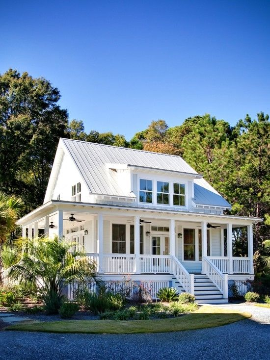 White House With A Wrap Around Porch Photography Porch Balcony Home Ideas Homes Exterior Design Moder House Exterior Modern Farmhouse Exterior House With Porch
