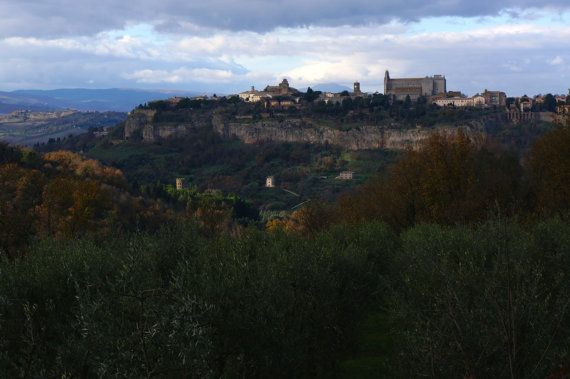 A view of Orvieto 4.78MB by BottegaDesigns on Etsy