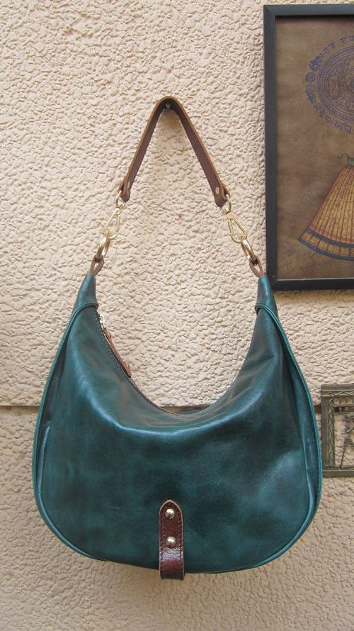 #Pine #BigCaro, #Chiaroscuro, #MadeInIndia, #PureLeather, #Handbag, #Bag, #Hobo #WorkshopMade #Leather #Casual #Vintage #ShoulderBag #DarkGreen #Green #Jade #Artisanal #Handcrafted #LeatherWorkshop #Leatherwork #LeatherBags #WomensFashion #WomensAccessories http://chiaroscuro.in/collections/shoulder-bags