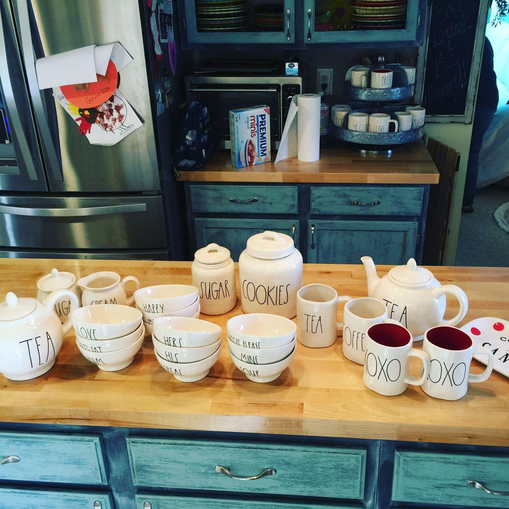 35 Fresh White Kitchen Cabinets Ideas To Brighten Your: Kitchen Collectibles In 2019
