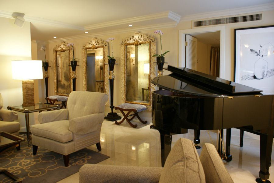 This is a great room for lounging. Royal Sonesta | New Orleans, Louisiana #lisambiance #interiordesign