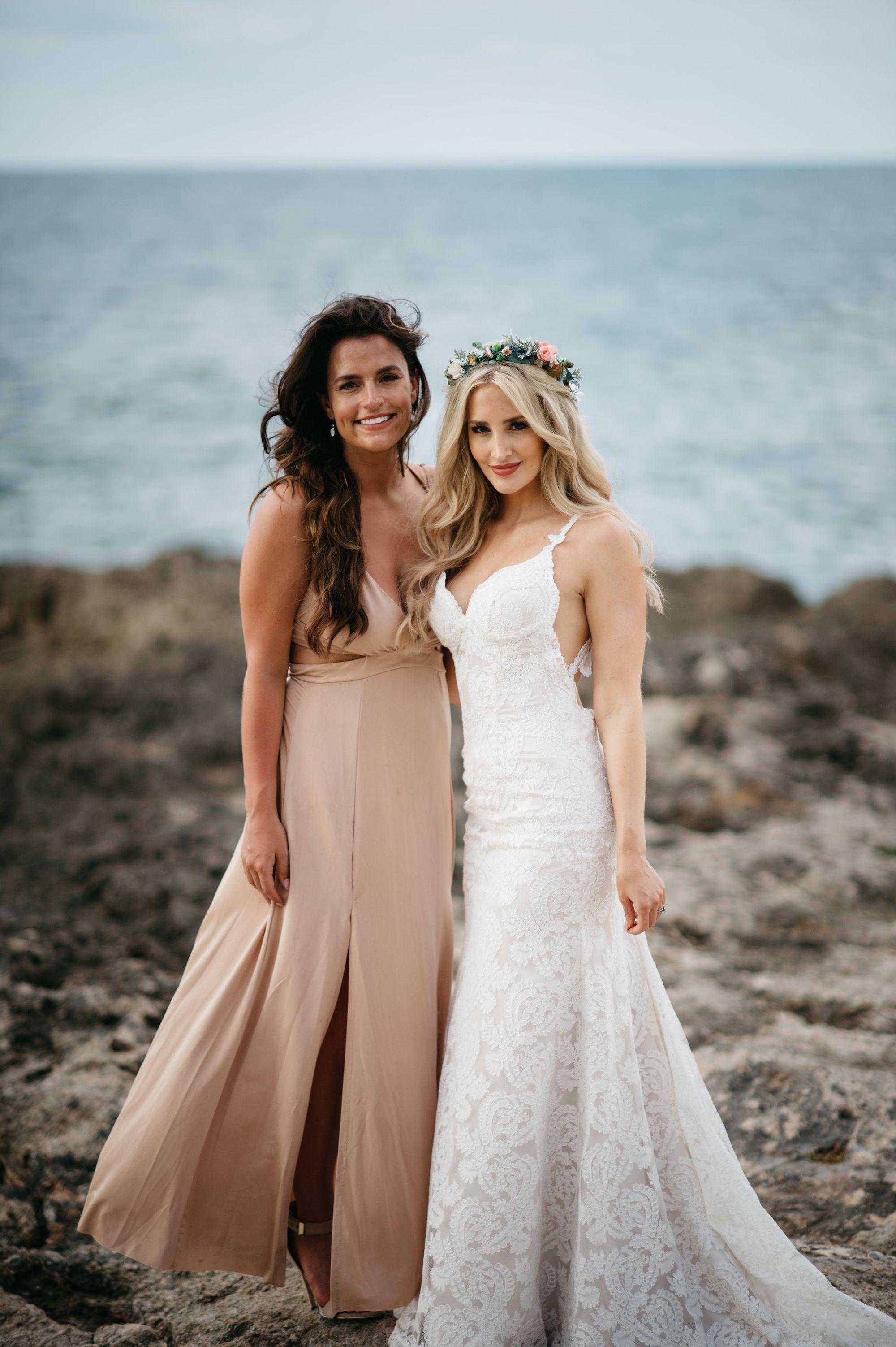 Bride plans best friends proposal at her own wedding
