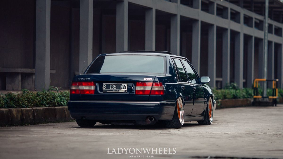 Andy's bagged (air suspension) S90 from the rear. | Volvo S90 & V90