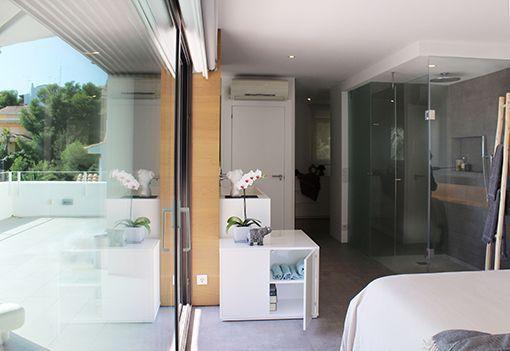Dormitorio Con Cuarto De Bano Y Vestidor Integrados En 2020