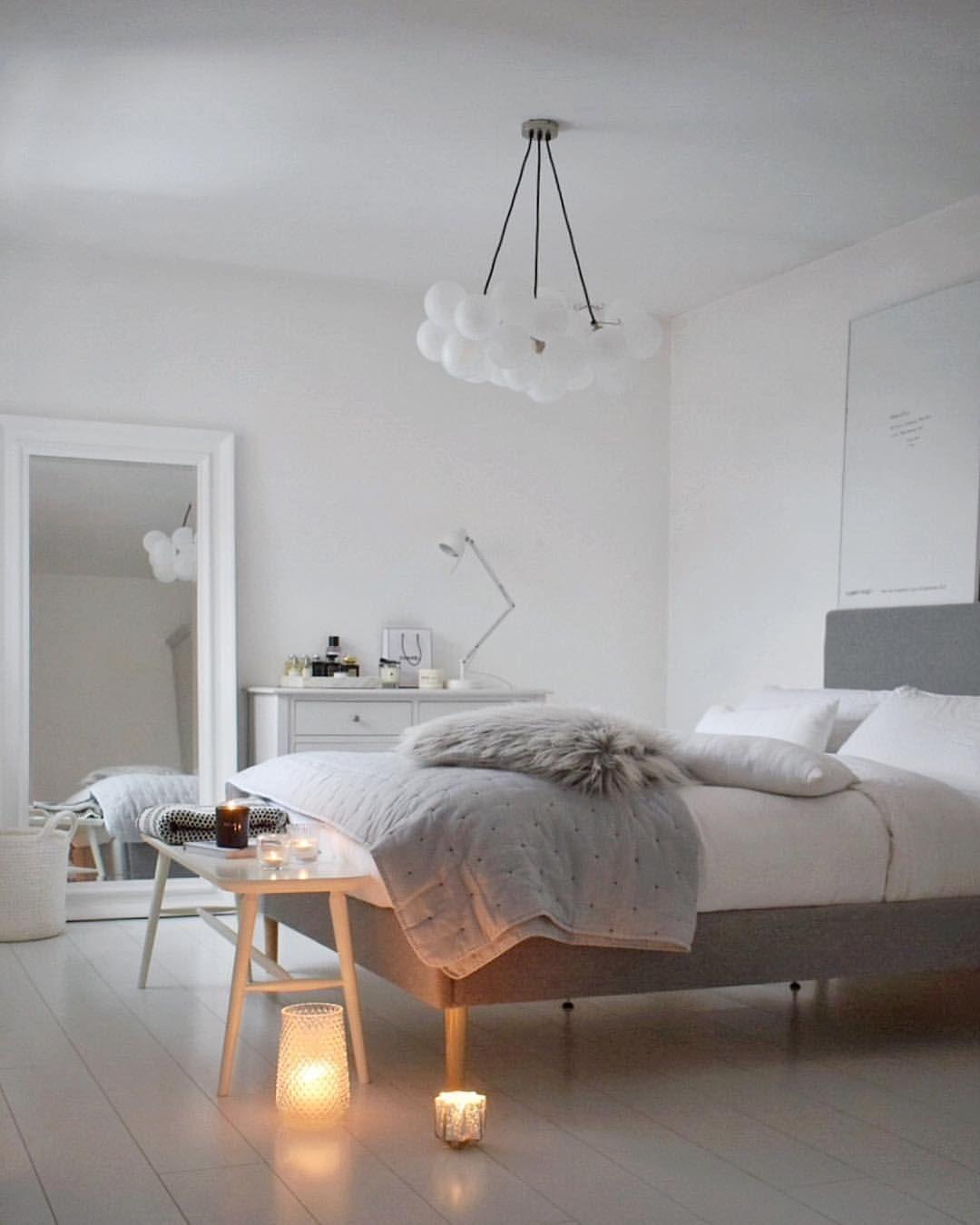 Simple White Bedroom Decor Scandinavian Style White Bedroom White Bedroom Decor Simple Bedroom Bedroom Interior
