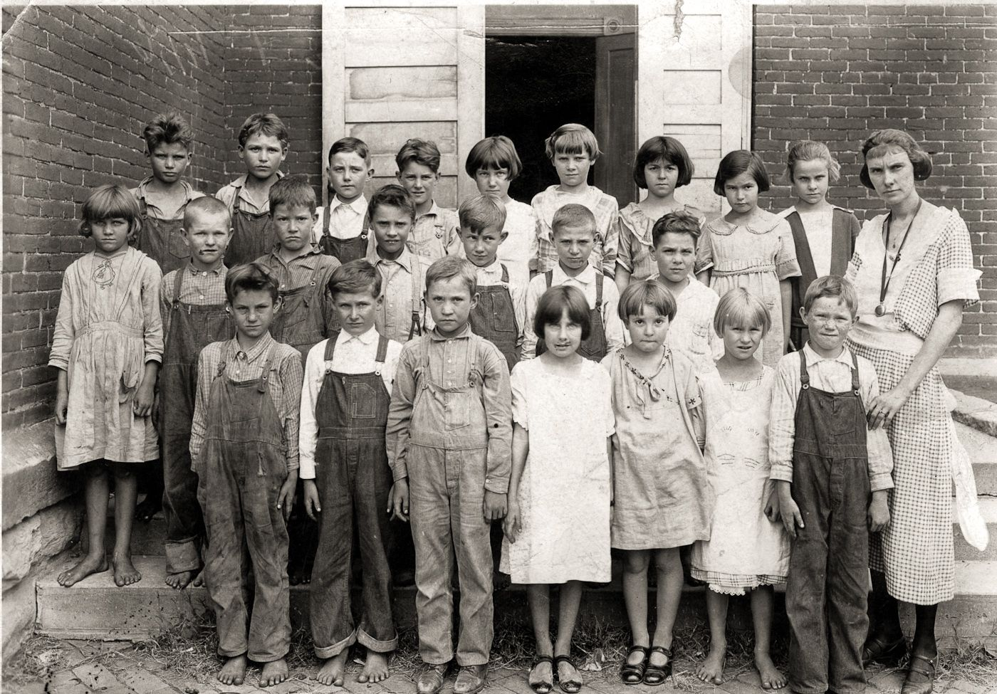 Real Vintage Clothing: Real Farm Life In Foster, Missouri 1920's. The Poor