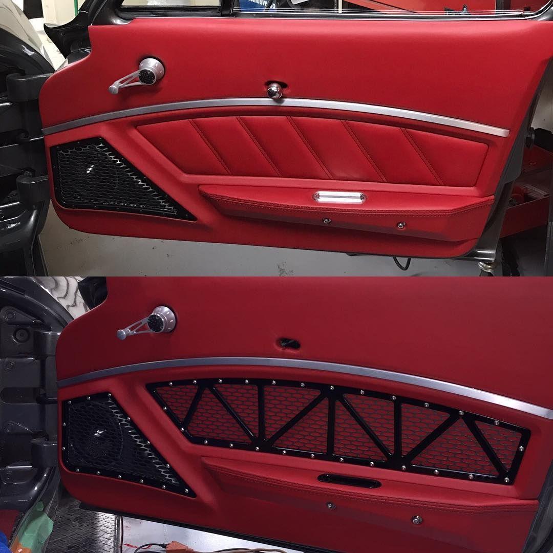 Godspeed Rides 63 Split Window Corvette With Dakota Digital Vhs Gauges And Climate Control F Car Interior Upholstery Automotive Upholstery Custom Car Interior