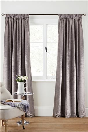 Pin By R S On Curtains House Styles Pleated Curtains Curtains