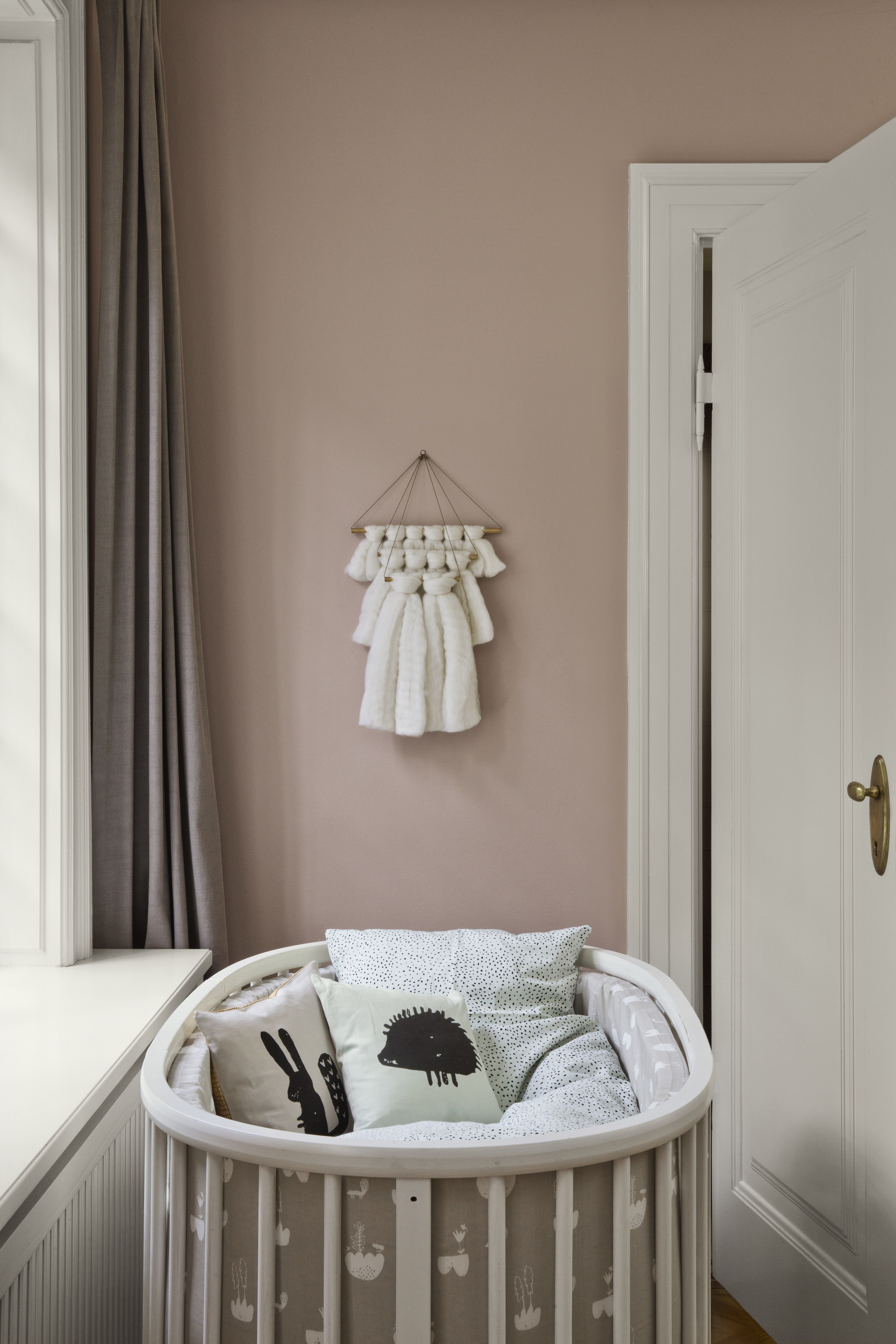 D coration int rieure chambre b b nursery fille rose for Chambre rose poudre et taupe