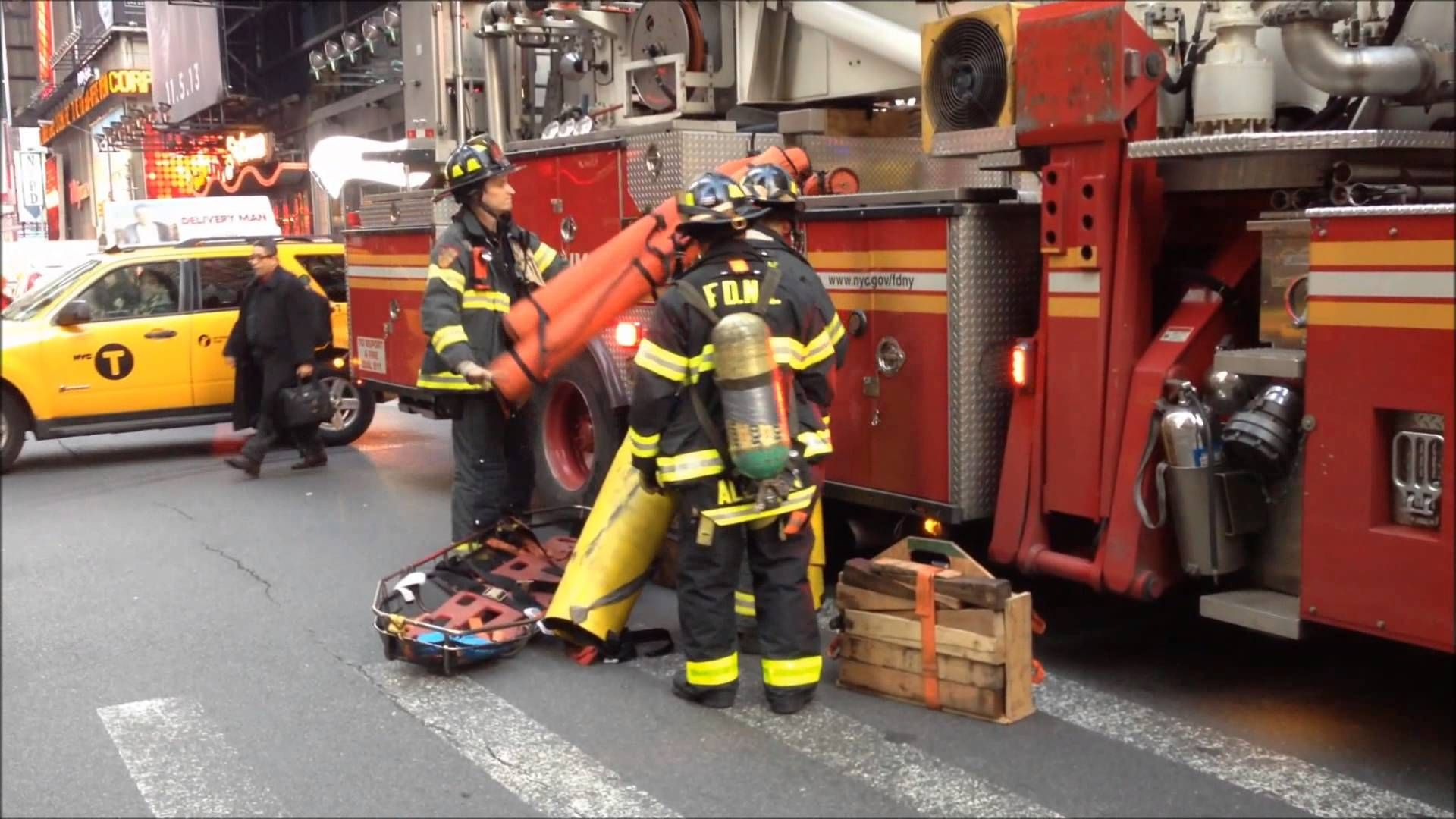 Fdny Rescue 1 Fdny Engine 65 54 26 Fdny Ladder 4 Fdny Tower Ladder 21 Fdny Battalion Chief 9 Fdny Rescue 1 Fdny Fire Station