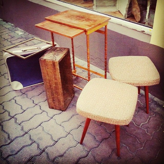 Hello monday ! Nice set of vintage stuff.  #vintage #industrial #loft #retro #vintageshop #sklepvintage #poznan #midcenturymodern #midcentury #vintagestyle #brutfurniture #junkstyledesign #table #interiors #tisch #table #taboret #zydel #Stołek #hocker #wnętrza #old #starocie #brocante #antiques #suitcase #walizka #frame #crate