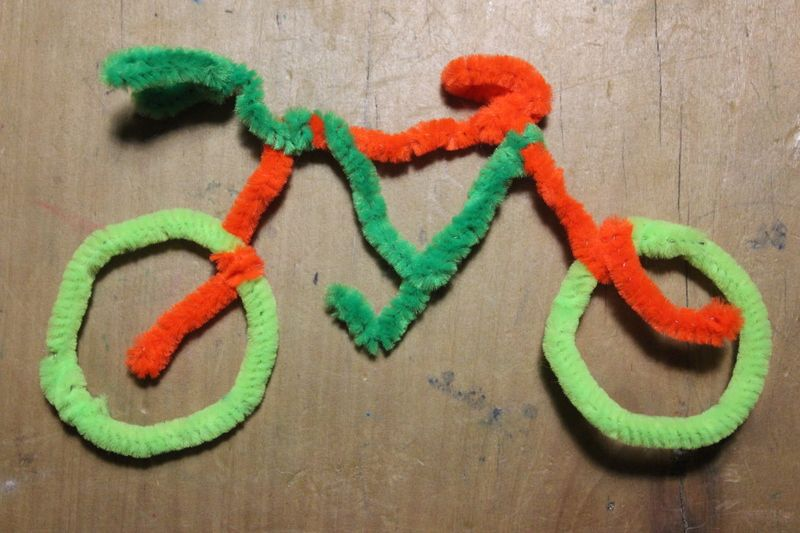 Pipe Cleaner Bicycle - My Kid Craft & Pipe Cleaner Bicycle - My Kid Craft | Library Crafts | Pinterest ...