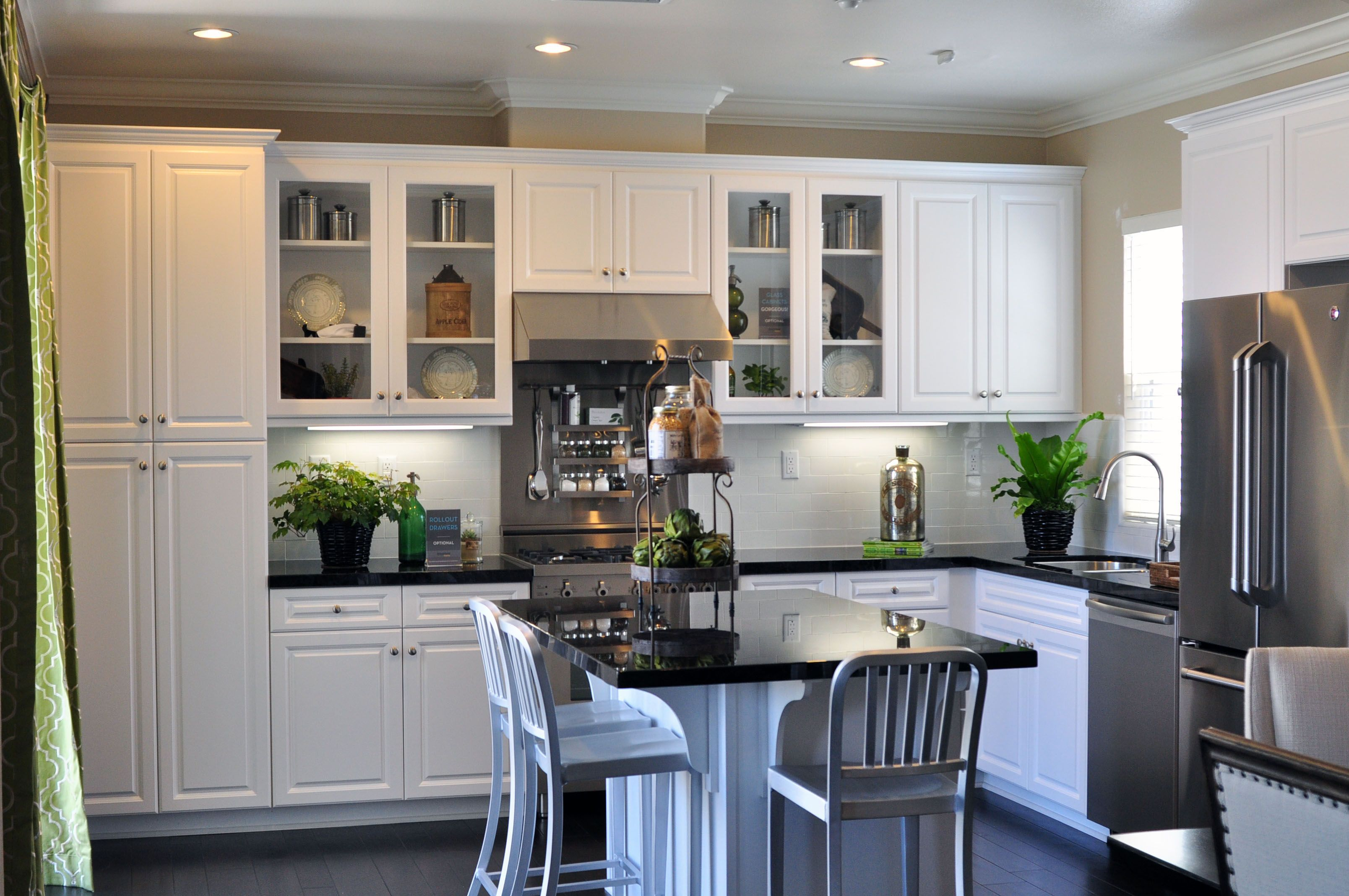 Frameless Cabinetry Hamilton Thermofoil White With Images