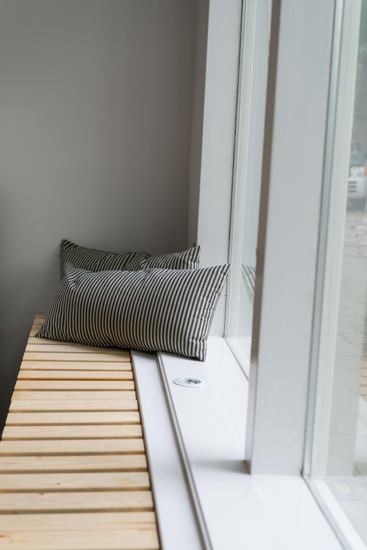 window and radiator cover bench i n t e r i o r pinterest heizk rper fenster und heizung. Black Bedroom Furniture Sets. Home Design Ideas