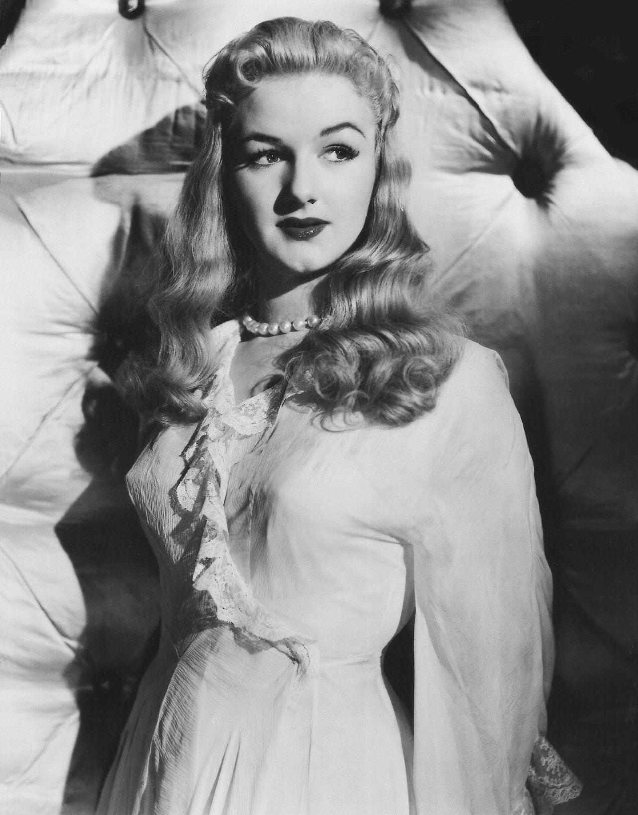 Joan Sims Nude joan sims   vintage/b&w actresses   british actresses