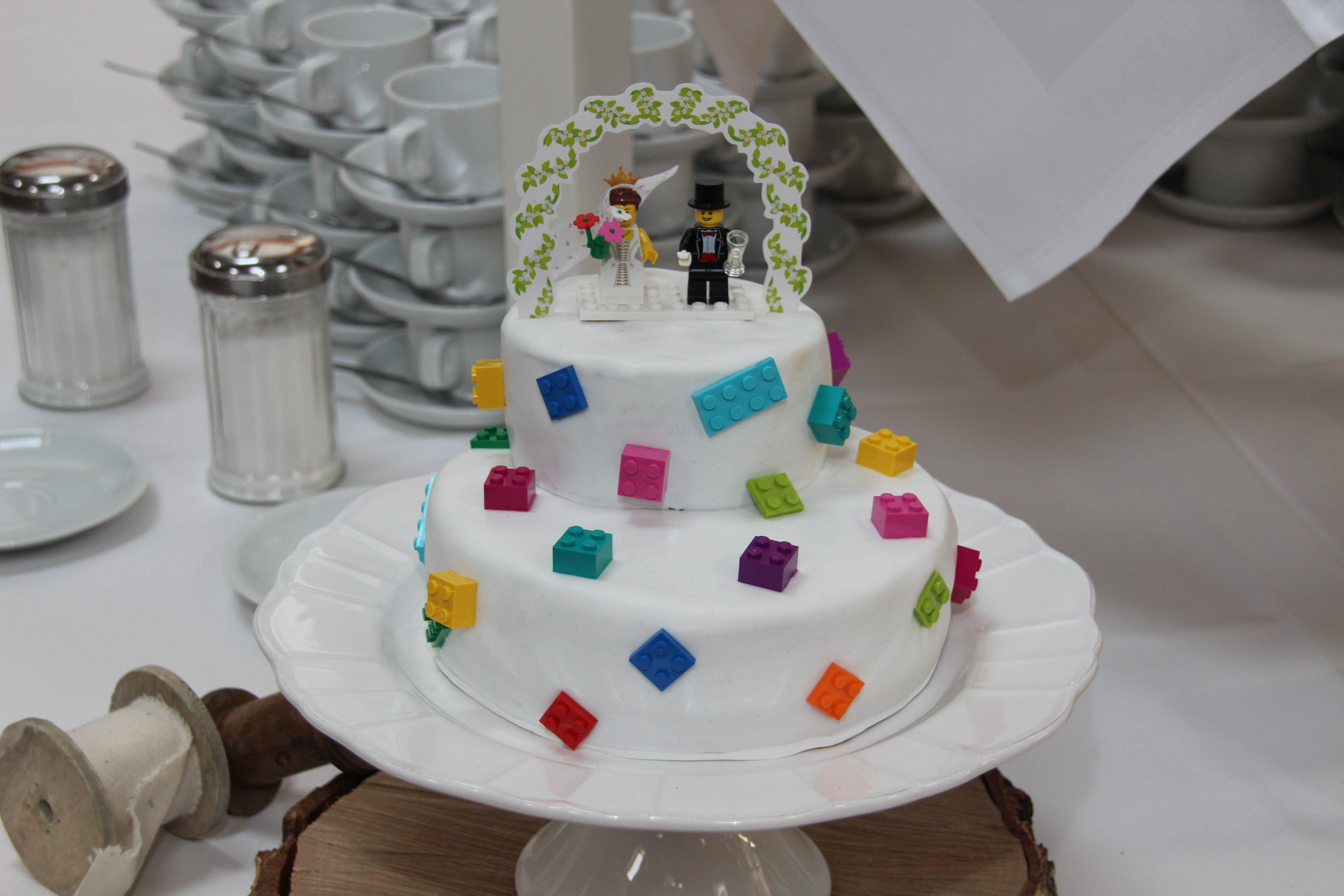 Legotorte Zur Hochzeit Hochzeitstorte Lego Weddingcake My Own