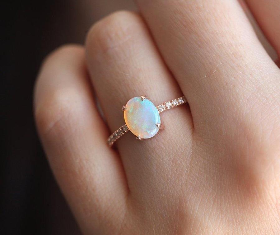 Australischer Opal Ring Rose Gold einfacher Opal Verlobungsring  Kaufen Sie einen australischen Opalring aus Roségold einen einfachen OpalVerlobungsring zu einem