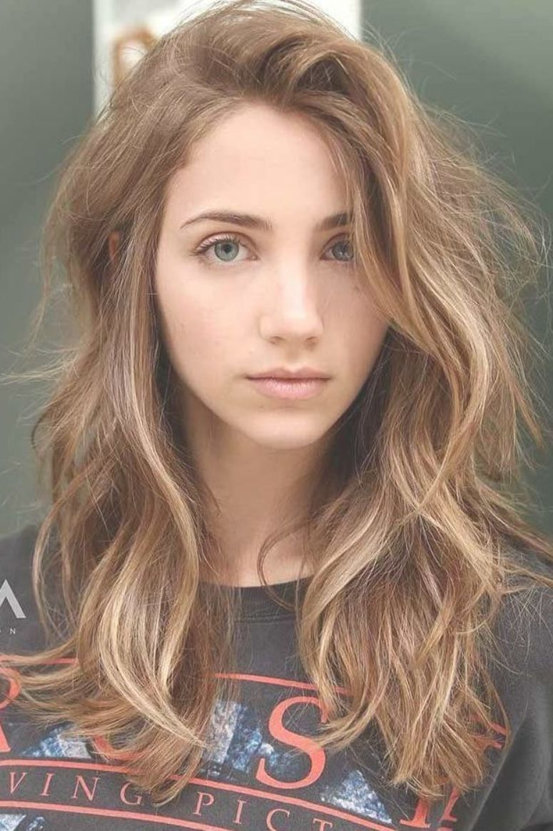 Volumizing Bangs For Thick Hair Sidesweptbangs Messyhair Layeredhair Wavyhair Want To Learn How To S Thick Hair Styles Brunette Hair Color Cinnamon Hair