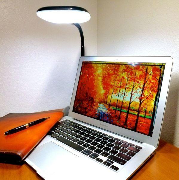 Lightbeam 1350 Black by LUMIY LED Desk Lamp / LEDs Task Lighting