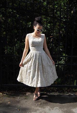 Vintage 1950s Wedding Dress [more at pinterest.com/eventsbygab]