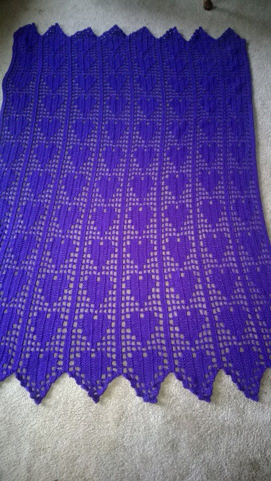 Purple hearts filet crochet   Crochet   Pinterest   Cortinas ...