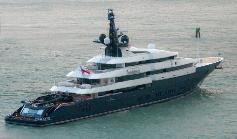 Spielberg 39 s oceanco yacht 7 seas returns to fort for Motor yacht seven seas
