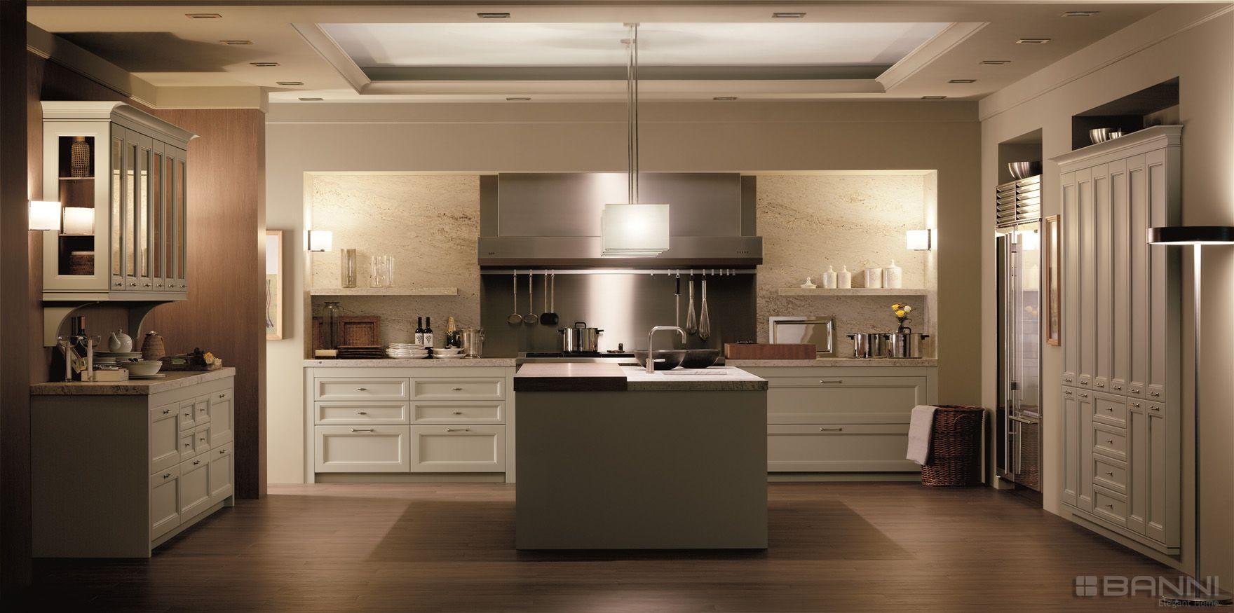 Cocina cl sica a temporal y elegante by banni dise o for Muebles encantadores del pais elegante