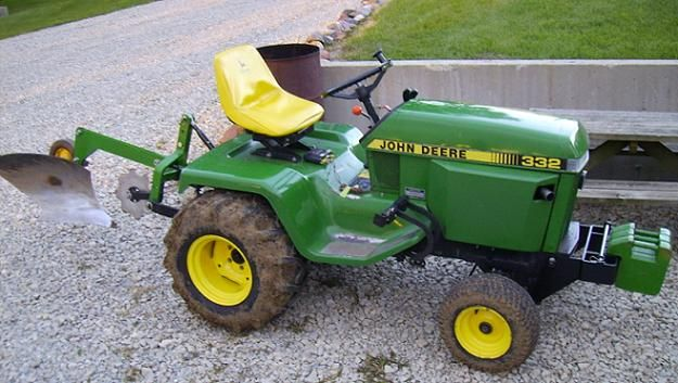John Deere 332 >> 332 Plow Ready Heavy Equipment John Deere Garden Tractors