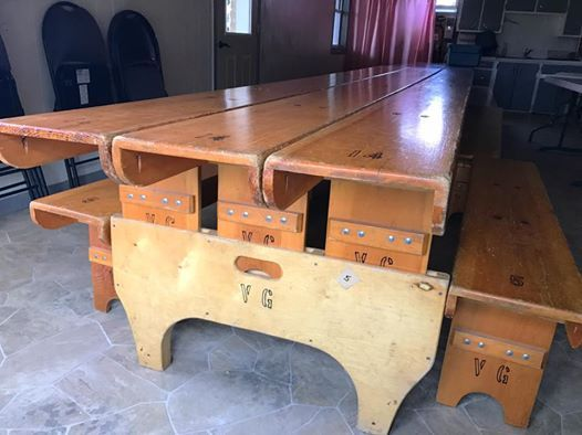 AMISH DISCOVERIES Turning Church Benches to Tables
