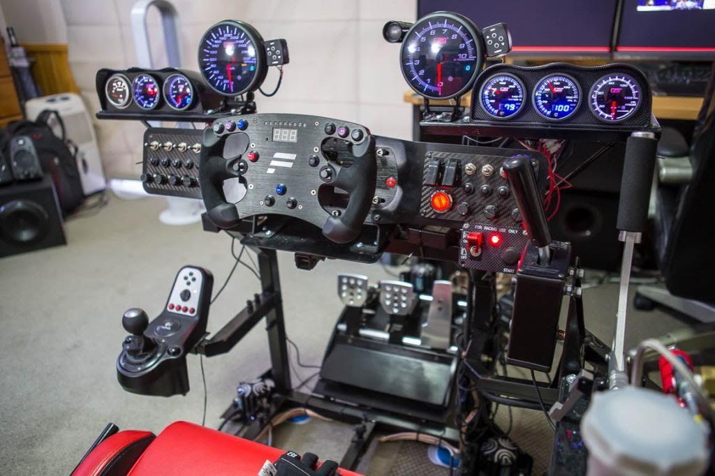 pingl par lou masciarelli sur gaming cockpit pinterest voiture simulateur de vol et motos. Black Bedroom Furniture Sets. Home Design Ideas