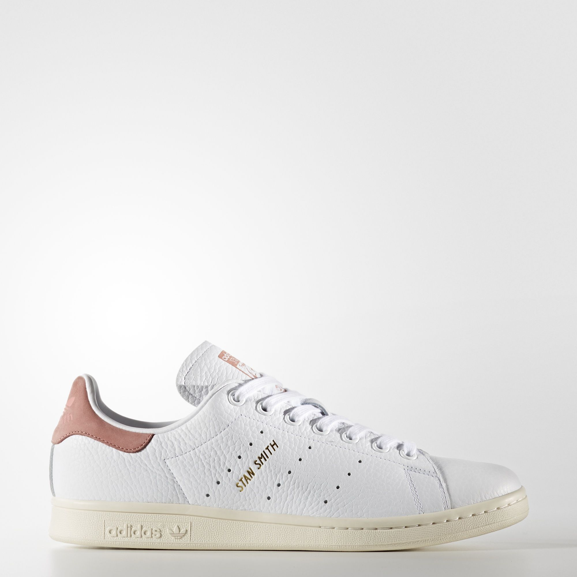 Stan Smith's signature shoe debuted in the '70s as a pro