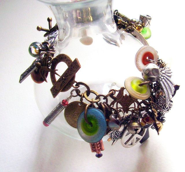#Christmas Crazy Bracelet    repin .. share  :)    http://amzn.to/15bRsrm