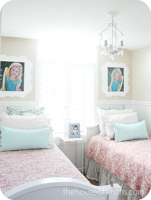 Shared Bedroom Beautiful I Don T Care How Many Rooms We Have In Our House My Kids Will Share A Shared Girls Bedroom Shared Girls Room Small Shared Bedroom