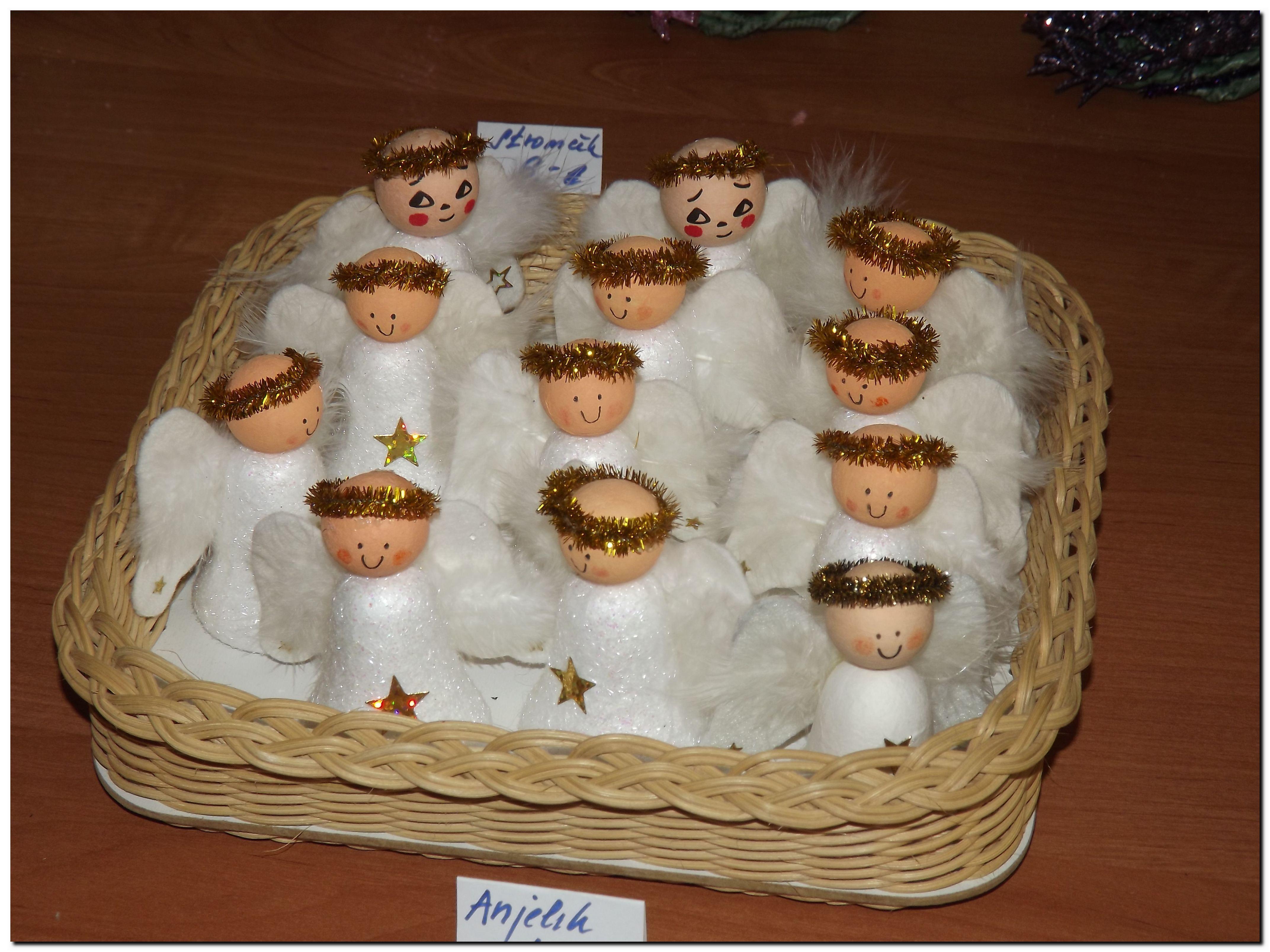 Anjelikovania z polystyrénových zvončekov