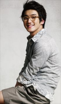 Super Junior's Siwon in InStyle Korea April 2010