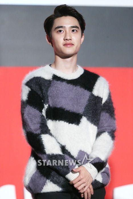 D.O - 141007 Busan Cinema Center BIFF Theater pre-screening stage greeting Credit: Star News. (영화의전당 야외극장 상영 전 무대인사)