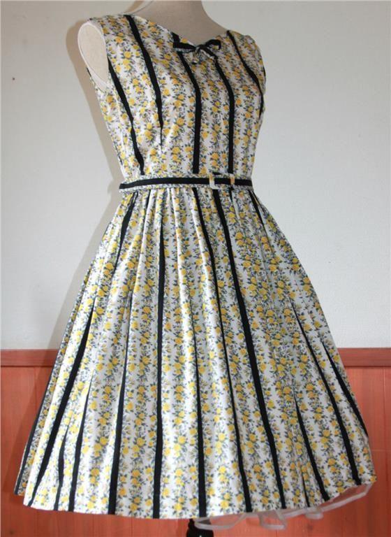 Vintage Klänning Medium Rockabilly 50tal 60tal Beyond Retro