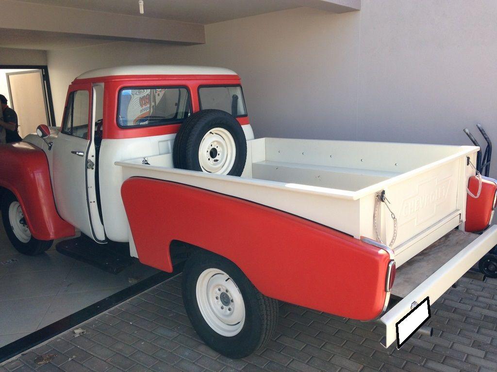 Chevrolet Brasil com caçamba original