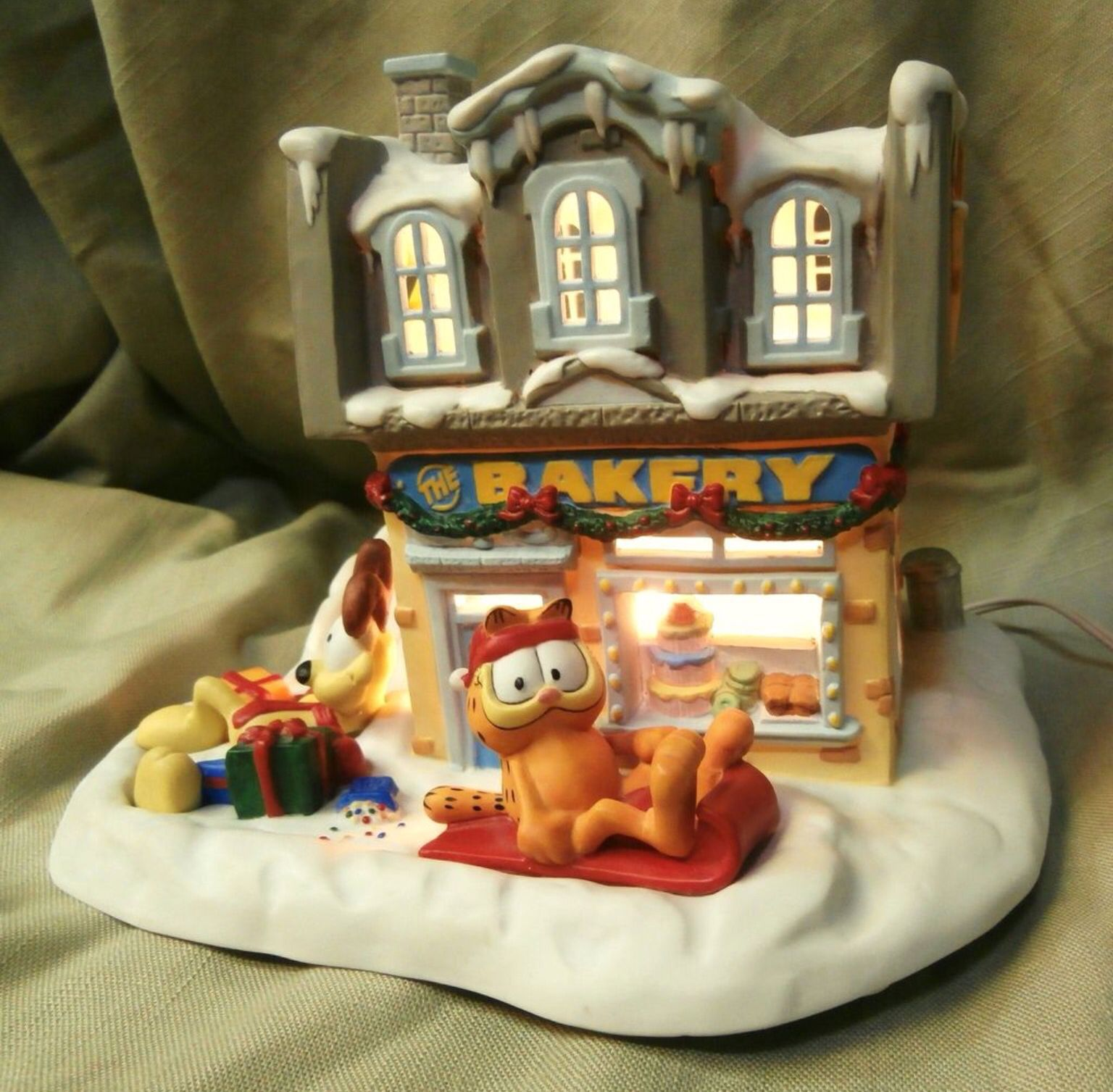 The Bakery Garfield christmas, Christmas villages