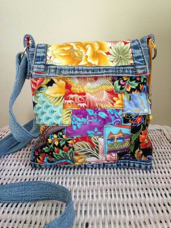 Handmade . Hand Painted Canoe Leather Coin Purse Change Bag Summer Camp