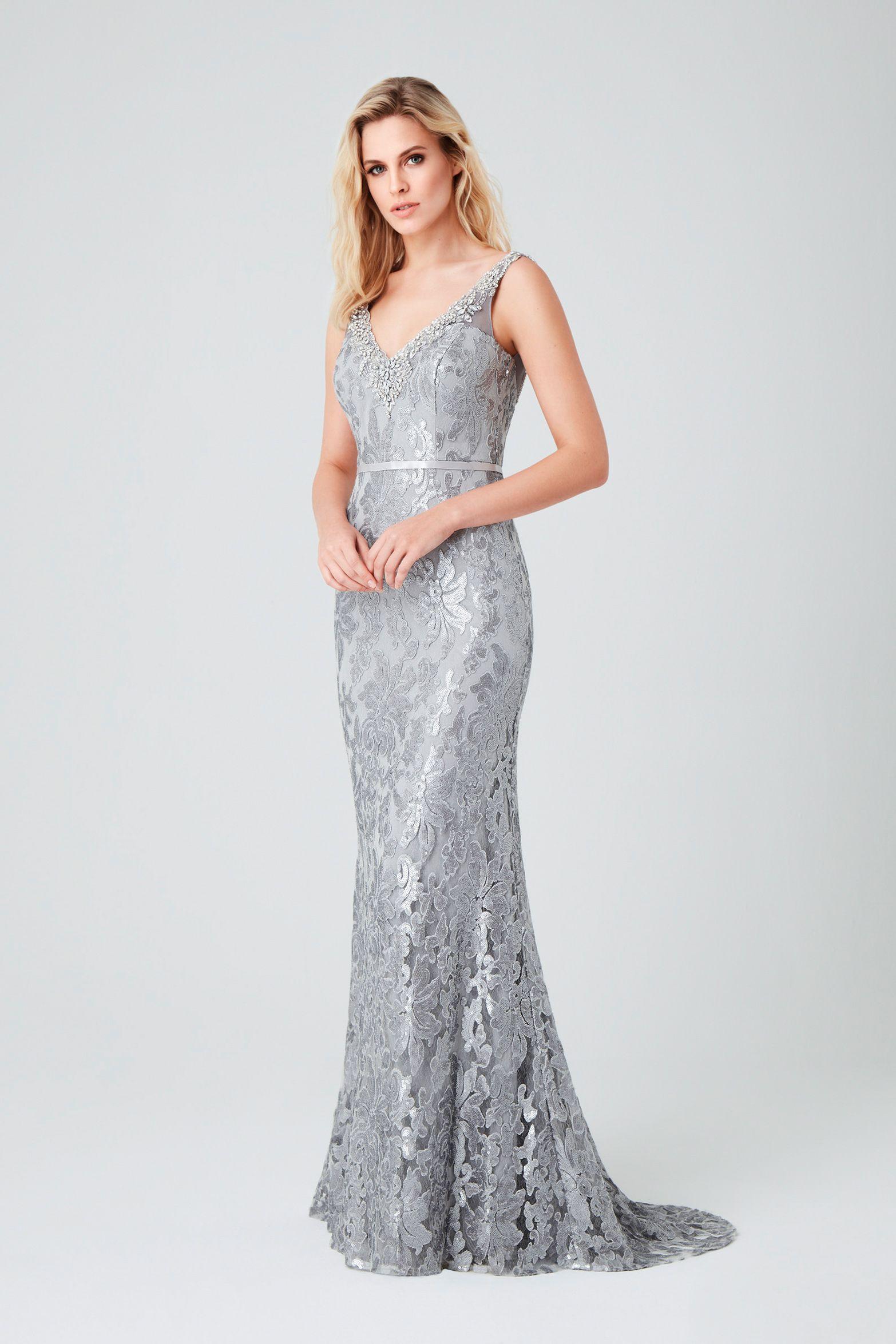 Yazlık Püsküllü Beyaz Elbise Modelleri 2019